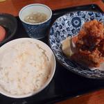 五鉄 - 唐揚げ定食(800円)