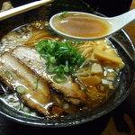 七重の味の店 めじろ - スープは上品な醤油味