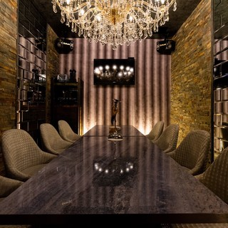 雰囲気抜群のRestauran&Bar空間…。