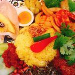 マレーシア風カレー&ペナン料理 梅花 - ご飯の上にはオニオンチップ