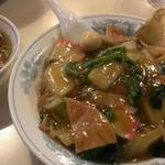 クォウライ - 料理写真:中華丼  880円