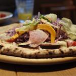 デイズ キッチン - デイズキッチン名物‼︎10種野菜のピザ