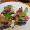 レ ファーブル ボンジュール - 料理写真:鶏白レバーのムースとパンデピスのカナッペ