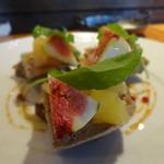 レ ファーブル ボンジュール - 鶏白レバーのムースとパンデピスのカナッペ