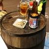 5坪海らふ家 - 料理写真:テラス席は樽がテーブル