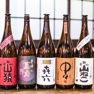 """県内外の""""地酒""""を中心に、80種以上のメニューをご用意!"""