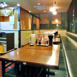 むげん - テーブル席(2011年9月)
