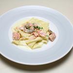 Trattoria La Cenro - 料理写真:サーモンとレモンクリームソースの自家製パッパルデッレ