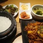 94380384 - 肉野菜炒め定食 900円