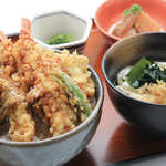◎大海老と旬菜の黒天丼