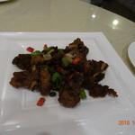 銀杏 四川料理 - スペアリブのトウチ風味