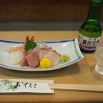 三平寿司 - 料理写真:お造り盛り合わせ & 冷酒(浪花正宗 吟醸)