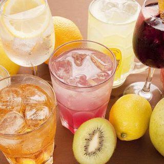 充実のラインアップ!140種の豊富な飲み放題メニュー