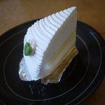 洋菓子のイソップ - レアチーズケーキです