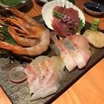 産直の魚貝と日本酒・焼酎 和バル 三茶まれ - お刺身&カルパッチョ