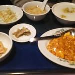 四川乃華 - 料理写真:エビと卵のチリソース定食。