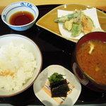 旬魚旬菜 むらおか - ごはんセットと天ぷら