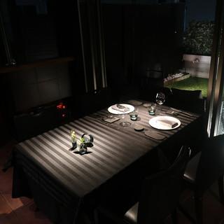 広々とした開放感のあるテラス付個室(完全個室)2名様のご利用のみ個室料1万円