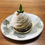 コレクション ドゥ ショウタニ - マロンクリームは美味しいけれど、中の生クリームがイマイチ(><)