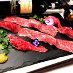 A4黒毛和牛専門店ステーキモンスター - 料理写真:人気の肉寿司六貫盛り合わせ