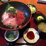 左吉 - 料理写真:本鮪丼