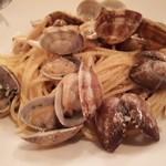 ウルトラチョップ - アサリとキノコのパスタ