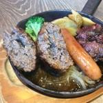 肉バルGABUTTO - あふれる肉汁