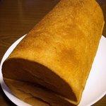 日光金谷ホテル ギフトショップ - ん…丸い食パン?