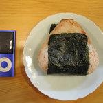 食と肴うおもと - 鮭おにぎり
