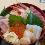 清水港海鮮 まぐろ屋 - 料理写真:天女丼  2,500円