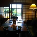 カフェ&バル 庄九郎 - 奥の御座敷
