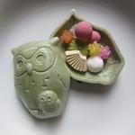 銀座 菊廼舎 - ふくろうの中にも8つのお菓子が入っています!