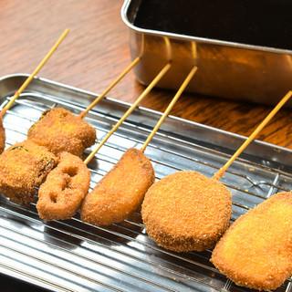 """食べたら分かるこの旨さ…!ソースも手作りの大阪風""""串カツ"""""""