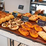CAFE STUDIO BAKERY -