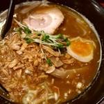 麺屋 とみ吉 - カレーラーメン880円