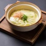 熱々チーズ湯豆腐