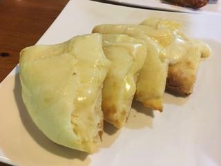 イエティカフェ - チーズナン