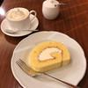 茶豆珈琲 - 料理写真:生クリーム珈琲とロールケーキ