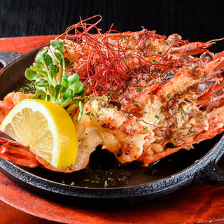 九州産の新鮮な魚介類を、リーズナブルな鉄板料理でご提供!