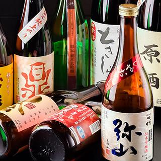 日替りの枡売りや、3種飲み比べが出来る日本酒。自家製焼酎も◎