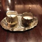 ステーキ オクソン - コーヒーミルク シュガー