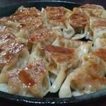 白玄海灘 - 鉄鍋餃子