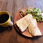 カフェ.ブラウンフラッグ - 料理写真:モーニング(全体)