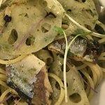 バルバラアターブル - 秋刀魚とレンコン ジェノベーゼ