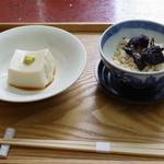 仲佐 - 【蕎麦三昧】の胡麻豆腐と蕎麦の実入りキノコの飯蒸し