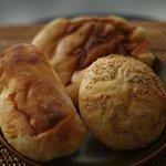 ぶーらんじぇ駒井 - 素朴な味のパンです