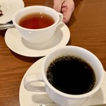 アンジェロ開成 - 母はレモンティー      私はコーヒー