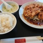 玲瓏閣 - 油淋鶏定食 890円