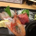 魚屋スタンドふじ - 三種盛り