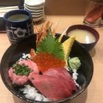 築地海鮮丼 大江戸 - 料理写真:
